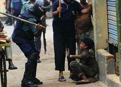 Este niño recibió una paliza sólo por estar huérfano en la calle. Pero olvidalo,no es futbolista ni famoso RT