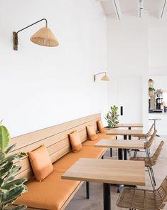 Hank's Austin // white + wood neutral restaurant decor Interior Design Minimalist, Restaurant Interior Design, Decor Interior Design, Restaurant Interiors, Design Interiors, Modern Interiors, Cafe Interiors, Small Restaurant Design, Interior Ideas