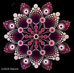 Dot for Charities August 2018 (Intermediate) Dot Art Painting, Mandala Painting, Stone Painting, Mandala Painted Rocks, Mandala Rocks, Rock Crafts, Mandala Pattern, Fractal Art, Stone Art