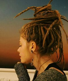 Likes, 39 Comments – Wonderlocks Community (… – - Frisur Ideen White Girl Dreads, Dreads Girl, Dreadlock Styles, Dreads Styles, Dreadlock Hairstyles, Cool Hairstyles, Black Hairstyles, Wedding Hairstyles, Rasta Hair