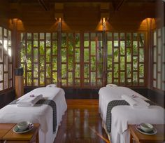 Phuket Luxury Resort Photo Album and Hotel Images for Amanpuri - picture tour