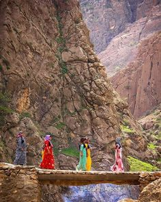 Kurdish women in colorful traditional dresses from the village of Palangan, Kurdistan province, Iran. Iran Pictures, Persian Architecture, The Kurds, Persian Culture, Senior Trip, People Of The World, World Cultures, Beautiful Places, Scenery