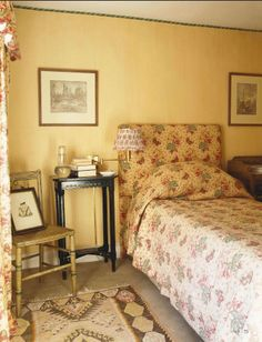 English Country Style Bedroom Featured In World Of Interiors Decor Magazine From UK