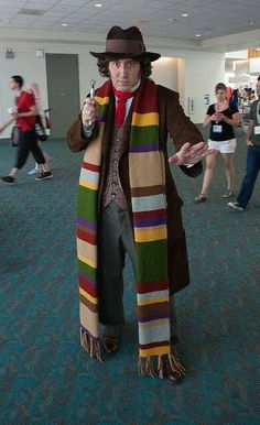 Very Convincing Fourth Doctor Cosplay Cool Costumes, Cosplay Costumes, Halloween Costumes, Cosplay Ideas, Costume Ideas, Creative Costumes, Fantasy Costumes, Halloween Ideas, Batman Christian Bale