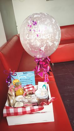 Desayunos sorpresa saludables bogota 3173702414 Surprise Box, Chocolate Bouquet, Creative Business, Ideas Para, Snow Globes, Origami, Brunch, Cool Stuff, Paper