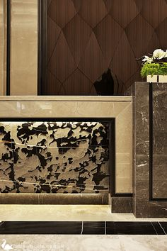 Gorgeous interior design with a powerful interior project is what you can take here. See more clicking on the image. Hotel Reception Desk, Reception Desk Design, Lobby Reception, Reception Counter, Hotel Lounge, Hotel Lobby Design, Counter Design, Beautiful Interior Design, Hotel Interiors