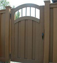 Trex Arch Spindle Top Fence Gate Side Gates, Fence Gates, Garden Gates, Fencing, Landscape Walls, Modern Fence, Privacy Fences, Top, Pool Ideas