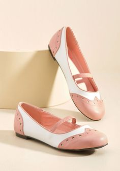 Vintage Style Shoes, Vintage Inspired Shoes Wingtip the Balance Oxford Flat in Pink in 6 $54.99 AT vintagedancer.com