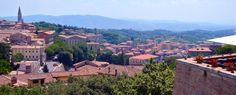 An article about Perugia by an Umbra alum and food writer Stephanie Cavagnaro. Travel Around The World, Around The Worlds, Perugia Italy, Global Tv, Picture Story, Architecture Old, Getting Out, Paris Skyline, Rome