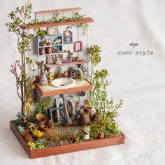 Miniature by Coco Style Miniature Plants, Miniature Rooms, Miniature Fairy Gardens, Miniature Houses, Miniature Furniture, Victorian Dolls, Victorian Dollhouse, Diy Dollhouse, Dollhouse Miniatures