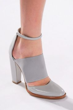 Grey heel with an ankle strap // #fashion