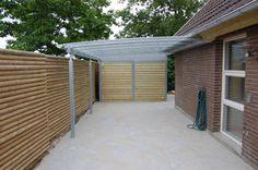 Carport mit abgetrenntem Lagerraum Carports, Garage Doors, Outdoor Decor, Home Decor, Garage, Rustic Homes, Storage Room, Decoration Home, Room Decor
