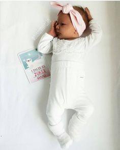 : @susannslatta. Tilbakeblikk - Her er vakreste lille Mileah med våre Milestone kort  #milestonebabycards #milestone #babybottles #minner #gave #baby #storeøyeblikk #memories #detlilleekstra #dinbabyshower #nettbutikk #babyshower #dåp #navnefest #fødsel www.dinbabyshower.no