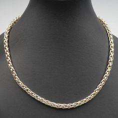 Kaulakoru, valko- ja keltakultaa. Diamond, Jewelry, Jewlery, Jewerly, Schmuck, Diamonds, Jewels, Jewelery, Fine Jewelry