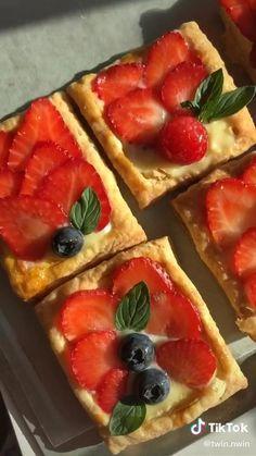 Fun Baking Recipes, Sweet Recipes, Snack Recipes, Dessert Recipes, Cooking Recipes, Snacks, Comida Diy, Food Cravings, Diy Food