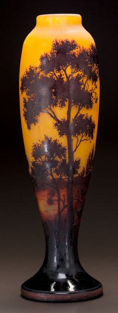 MONUMENTAL DAUM OVERLAY GLASS LANDSCAPE VASE Circa 1900. Cameo DAUM, NANCY with the cross of Lorraine