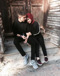 PINTEREST: Bishara Cute Muslim Couples, Cute Couples Goals, Romantic Couples, Couple Goals, Couple Photoshoot Poses, Couple Posing, Wedding Photoshoot, Cute Love Couple, Best Couple