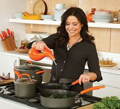 Here are recommendations of the best Rachael Ray cookware sets that I have used.