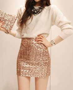 Look fashion forward in sparkling sequin outfits. Find here the upbeat styling ideas of sequin skirts and make a bold and powerful style statement. Mode Outfits, Skirt Outfits, Dress Skirt, Fashion Outfits, Sequin Skirt Outfit, Gold Sequin Skirt, Sparkly Skirt, Sexy Skirt, Edgy Outfits