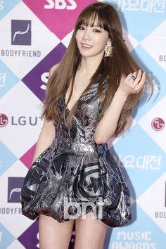 SNSD TaeYeon and Yuri at SAF Gayo Daejun's red carpet event