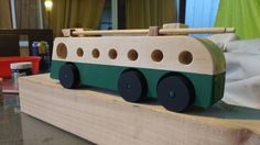 Trolley de Madera Valparaíso Wooden Car, Wooden Toys, Chile, Upcycling, Historia, Wooden Toy Plans, Wood Toys, Woodworking Toys, Chili