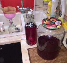Gyümölcslikőr készült nálunk, most megmutatom, mi az én receptem - Egyszerű Gyors Receptek Jena, Chocolate Fondue, Whiskey Bottle, Vodka, Coffee Maker, Drinks, Food, Coffee Maker Machine, Drinking