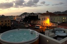 Rooftop jacuzzi in Mindelo? Why not!