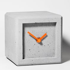 Betonuhr, Tischuhr, Qubus2  Design- Unikate , concretclock