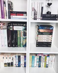 "3,520 aprecieri, 11 comentarii - Culture Trip Books (@culturetripbooks) pe Instagram: ""#shelfie time!  |  by @buechertum #culturetripbooks"""