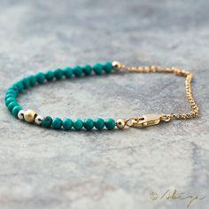 Bracelet perles or turquoise, Bracelet de perles de pierre gemme, Blue Gemstone empilage Bracelet, délicat Bracelet Boho