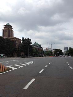 手前から名古屋市役所、愛知県庁、奥にテレビ塔が見えます^^