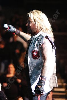 A #photo of Vince Neil on the Motley Crue stage. #RIPMotleyCrue #TheFinalTour #VinceNeil #MotleyCrue