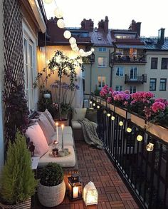 Here Are Small Balcony Decor Inspiration And Ideas That'll Open # hier sind kleine balkon dekor Apartment Balcony Decorating, Budget Home Decorating, Apartment Balconies, Cozy Apartment, Apartment Design, Decorating Ideas, Narrow Balcony, Small Balcony Garden, Small Balcony Decor