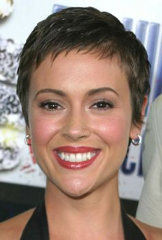 Sexy and Feminine Short Haircuts for Women: Very Short Hairstyles For Women 691x1024 Hipsterwall ~ frauenfrisur.com Hairstyles Inspiration