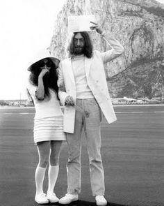 John and Yoko wedding picture- Gotta love Yoko's simple mod style