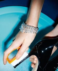 Photography by Thomas LagrangeM Le Monde #fashion #photography #jewelry #diamonds http://www.midnight-charm.com/
