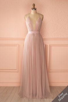Clothes for Romantic Night - Plus récent ♥ Most recent - Robes ♥ Dresses - If you are planning an unforgettable night with your lover, you can not stop reading this! Grad Dresses, Dance Dresses, Fall Dresses, Evening Dresses, Bridesmaid Dresses, Formal Dresses, Bridesmaids, Couture, Mode Glamour