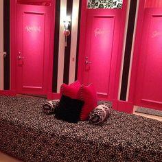 Vs Dressing Room