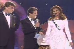 Denise Floreano - Miss Venezuela, dentro del Top 6 escogiendo la Pregunta final del Miss Universe 1995 by Antoni Azocar
