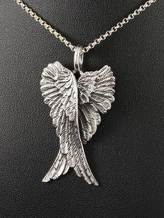 Large silver pendant angel wings £23    Stříbrný přívěsek 925 punc se starožitným efektem, design: křídla anděla. 54-706-11142