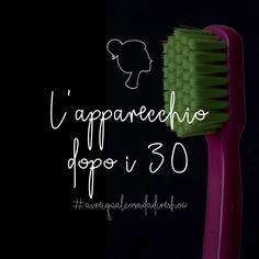L'apparecchio dopo i 30 | Un episodio di Avrei qualcosa da dire Show | Blog & Podcast – La mia vita in chiave comica fedelmente e sapientemente documentata #invisalign #apparecchio #dentista #trentenni #podcast #sorriso