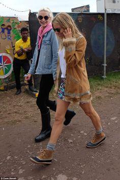 Sienna Miller and Poppy  Delevingne enjoy Glastonbury #dailymail