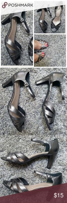 "Luvly Metallic Silver Dress Sandal sz 10 In excellent condition,  comfy dress sandals for all day wear.  Not my size,  that's why only taking pic of front.  3"" heel Luvly Treasures Shoes"