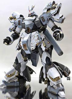 MG Snow Sazabi - Custom Build Modeled by ihaveyen Gundam Toys, Gundam Art, Gunpla Custom, Custom Gundam, Character Concept, Concept Art, Armored Core, 3d Figures, Action Figures