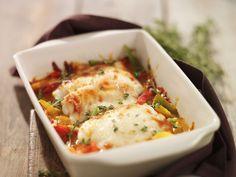 Feine Fisch-Gemüse-Kombi unter einer zartschmelzenden Mozzarella-Haube | Kalorien: 350 Kcal - Zeit: 45 Min. | http://eatsmarter.de/rezepte/fisch-gratin-mit-gemuese