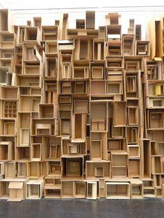 r e m a s h - papkasse væg 06 ~ nana rosenøm + holland bastrup Creation Art, Cardboard Art, Cardboard Boxes, Paper Boxes, Art Sculpture, Metal Sculptures, Abstract Sculpture, Bronze Sculpture, Assemblage Art