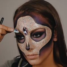 Looking for for ideas for your Halloween make-up? Browse around this site for cute Halloween makeup looks. Cute Halloween Makeup, Halloween Looks, Vintage Halloween, Halloween Costumes, Vintage Witch, Halloween Parties, Halloween Stuff, Halloween Makeup Sugar Skull, Creepy Halloween Makeup