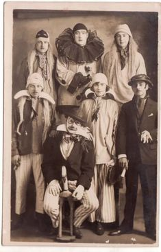 Love this old circus photo! Halloween's coming very soon, why not dress up as someone from the circus 🎪 check out our vintage cirque collection. Etsy shop, link in bio! Vintage Circus Photos, Cirque Vintage, Photo Vintage, Vintage Pictures, Vintage Photographs, Vintage Circus Performers, Vintage Circus Costume, Vintage Clown, Vintage Costumes
