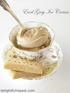 My love of tea, especially Earl Grey, is no secret. And with National Ice Cream Day coming up on July I thought I should make a batch. Ice Cream At Home, Ice Cream Day, Coffee Ice Cream, Cream Tea, Ice Cream Maker, Frozen Desserts, Frozen Treats, Earl Grey Ice Cream, Trim Healthy Recipes