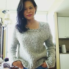 """Sofia and Matteo on Instagram: """"#Day #25 (part 2) of #memademay2019 - my #winstonpullover designed by @janerichmond is the perfect rainy day sweater for walking in the…"""" Walking, Style Inspiration, Pullover, Knitting, Fabric, Sweaters, Instagram, Color, Design"""